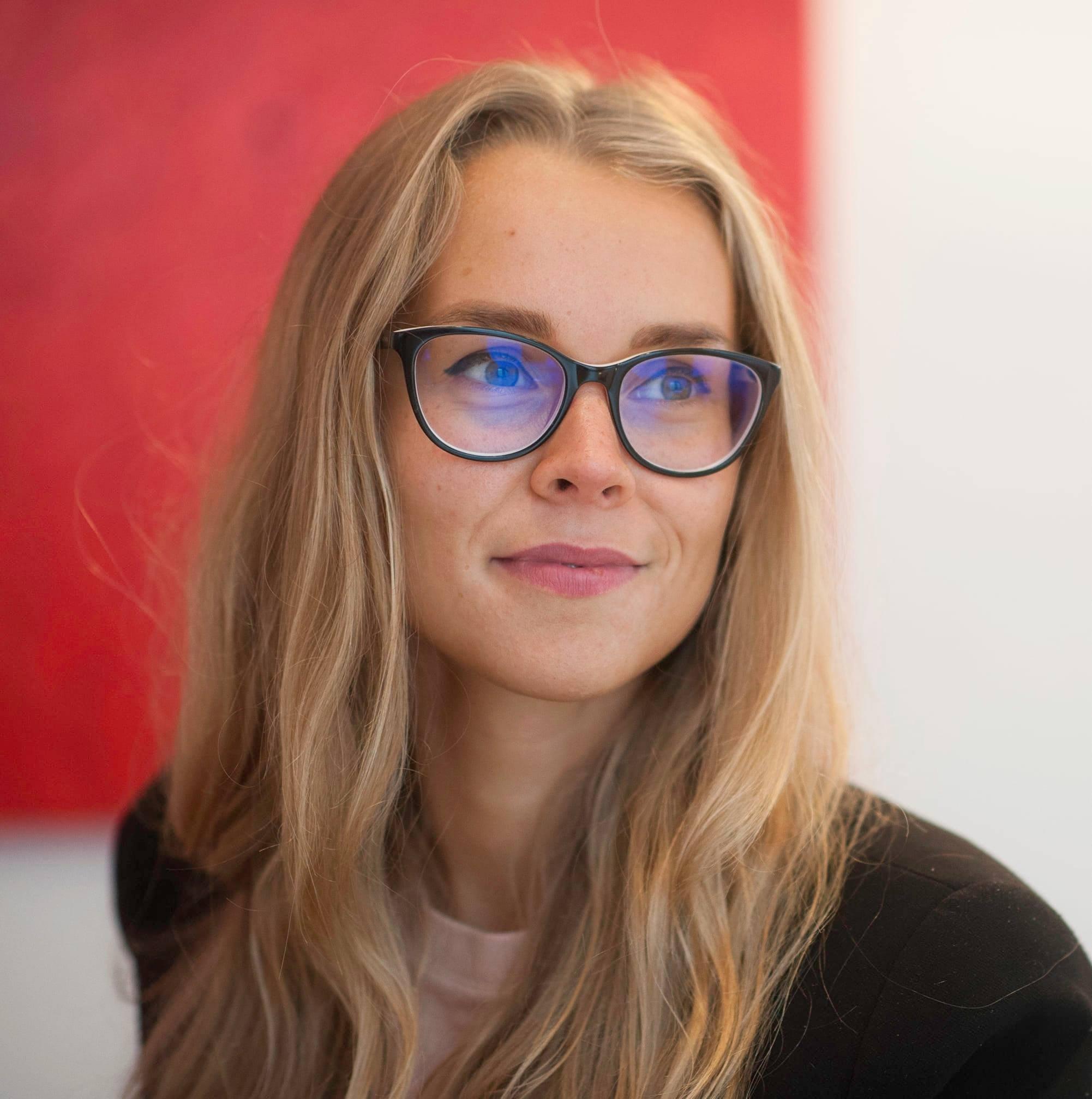 Anita Lotze